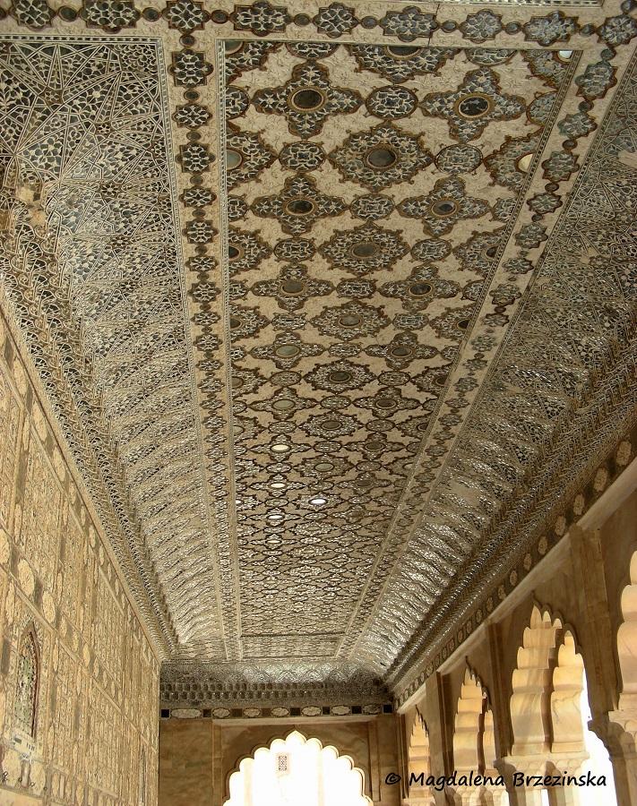 Lustrzany sufit w Pałacu Luster © Magdalena Brzezińska