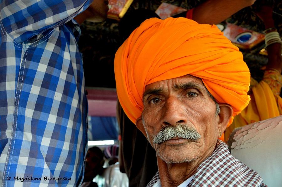 Radżasthański towarzysz części podróży. India 2014 © Magdalena Brzezińska