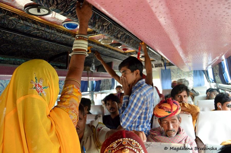 Wesoły autobus do Jodhpuru. Indie, 2014 © Magdalena Brzezińska