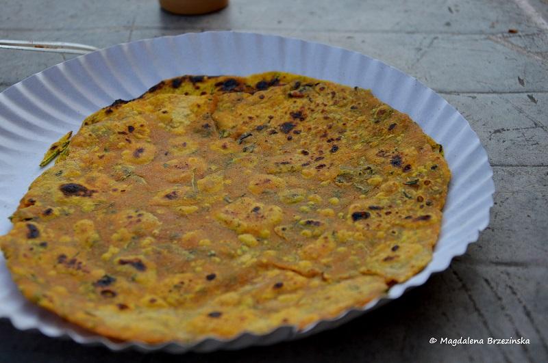 bardzo pikantne theplas na śniadanie w Sasan Gir © Magdalena Brzezińska