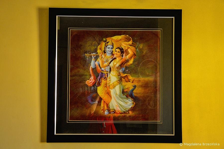 Kryszna i Radha na obrazie w domu Prabhy. Holi, 6 marca 2015 r., Ahmedabad, Indie © Magdalena Brzezińska
