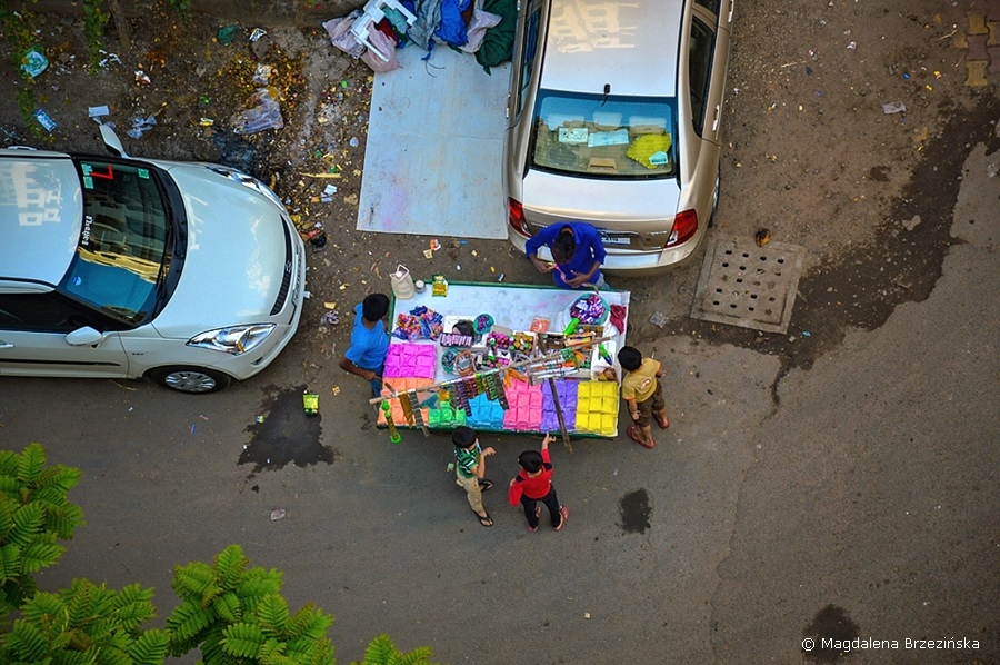 Gulal, Holi, 6 marca 2015 r., Ahmedabad, Indie © Magdalena Brzezińska