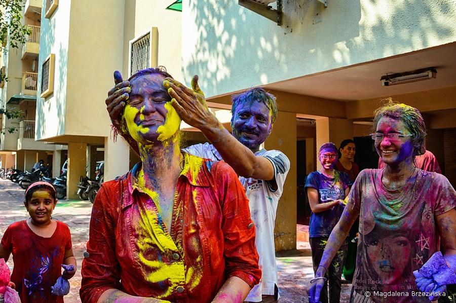 Jayesh i ja. Holi, 6 marca 2015 r., Ahmedabad, Indie © Magdalena Brzezińsk
