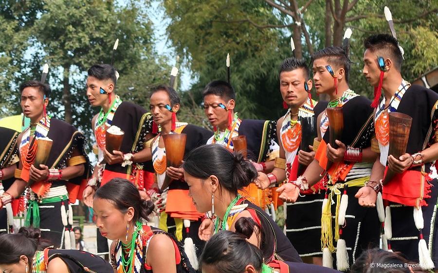fot. Plemię Chakhesang podczas występu © Magdalena Brzezińska, Nagaland, Indie 2019
