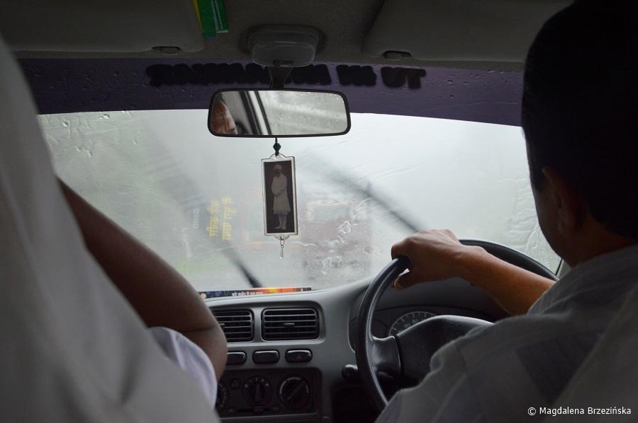 fot. Monsun w Shimli © Magdalena Brzezińska, Indie 2016
