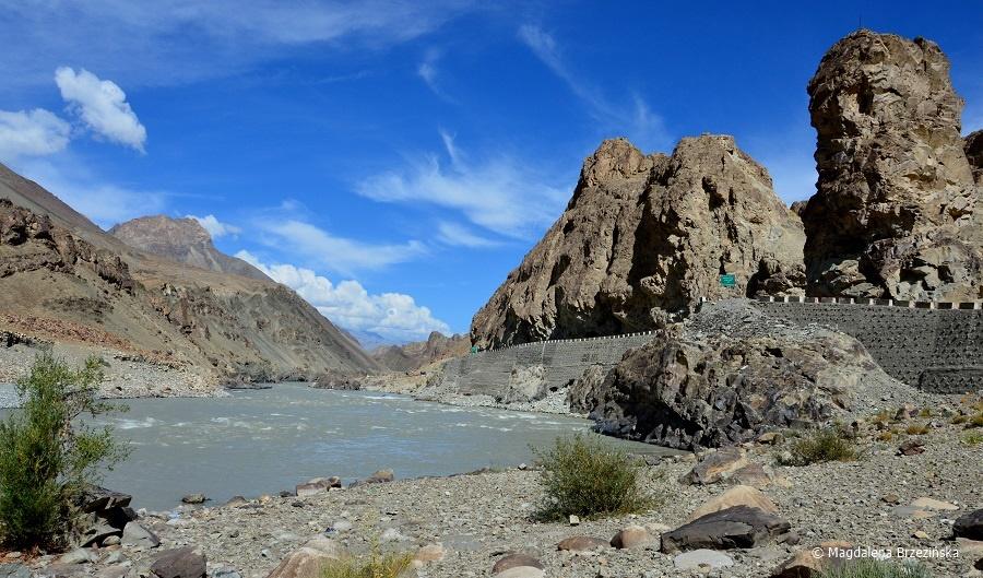 fot. NH 1D wzdłuż rzeki Indus © Magdalena Brzezińska, Ladakh, Indie 2016