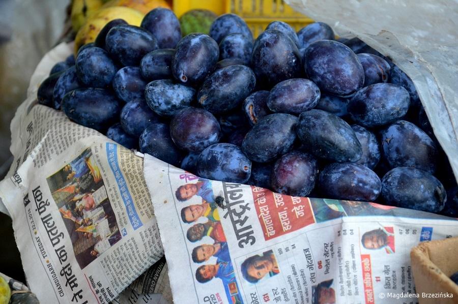 fot. Śliwki niczym z Polski. Lakkar Bazar, Shimla © Magdalena Brzezińska, Indie 2016